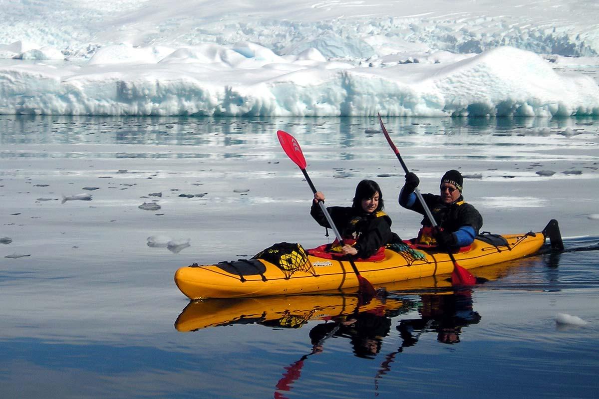 Activities_Kayakers.jpg