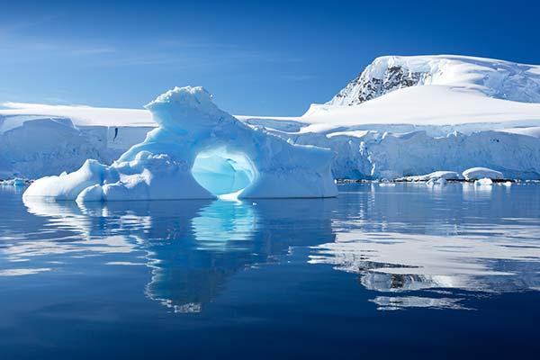 Antarctica-Peninsual-Drake-Passage.jpg